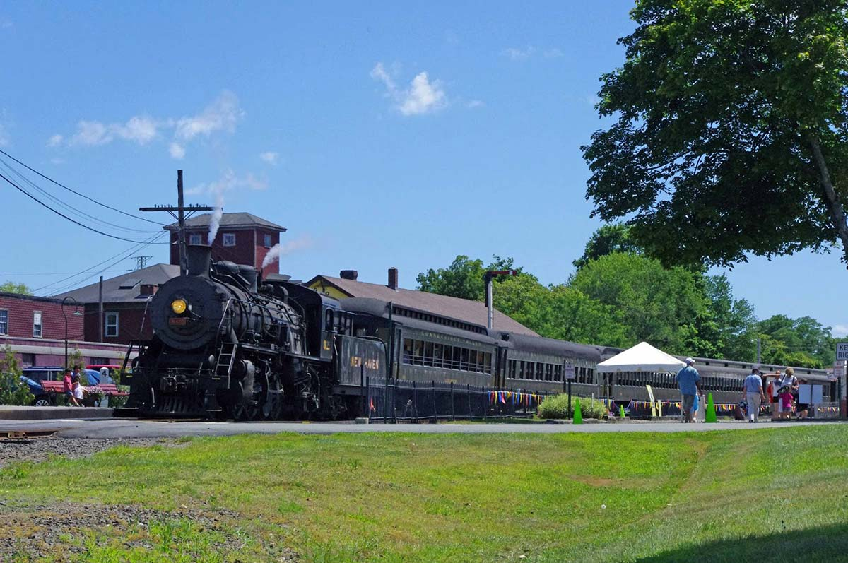 Essex Steam Train, Lower Connecticut River Valley